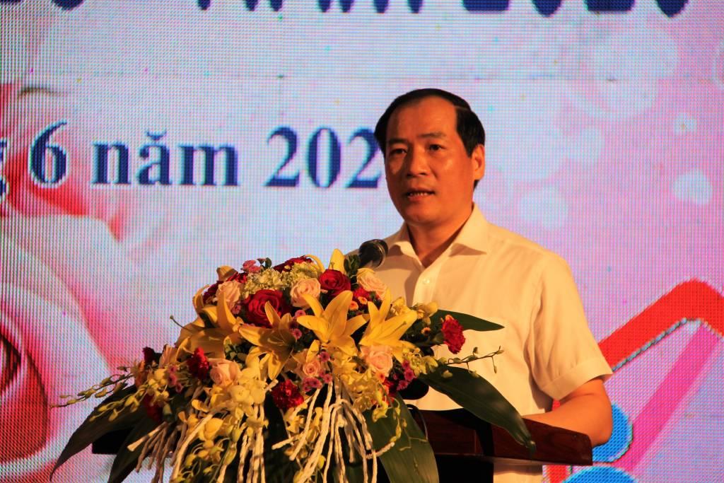 Ảnh 1.Đồng chí Dương Xuân Huyên, Phó Chủ tịch UBND tỉnh, Trưởng BCĐ công tác gia đình tỉnh phát biểu tại buổi chương trình tuyên dương_0.jpg